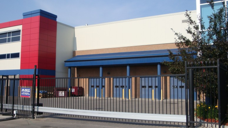 Maple Leaf Self Storage Calgary North 2883 Sunridge Way