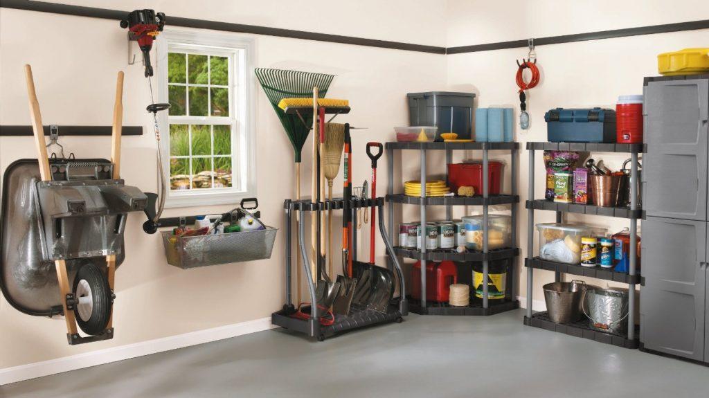 3 Tips to Declutter the Garage for Summer | Maple Leaf Self Storage